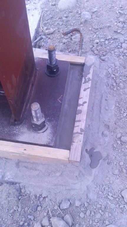 柱脚  グラウト注入